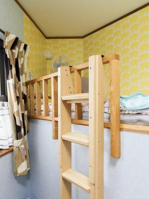 戸建てリノベーション、住工房株式会社、2段ベッド間仕切り、イエロー壁、子ども部屋ベッド
