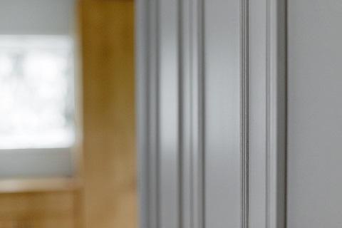 戸建てリノベーション、グラデン、モールディング扉、ホワイト扉、収納扉
