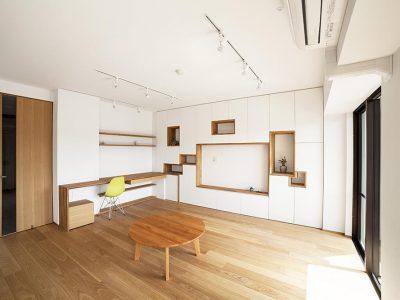 「株式会社 水雅」のマンションリノベーション事例「壁一面をまるごと収納に! 美しい造作家具に囲まれたリノベーション。」