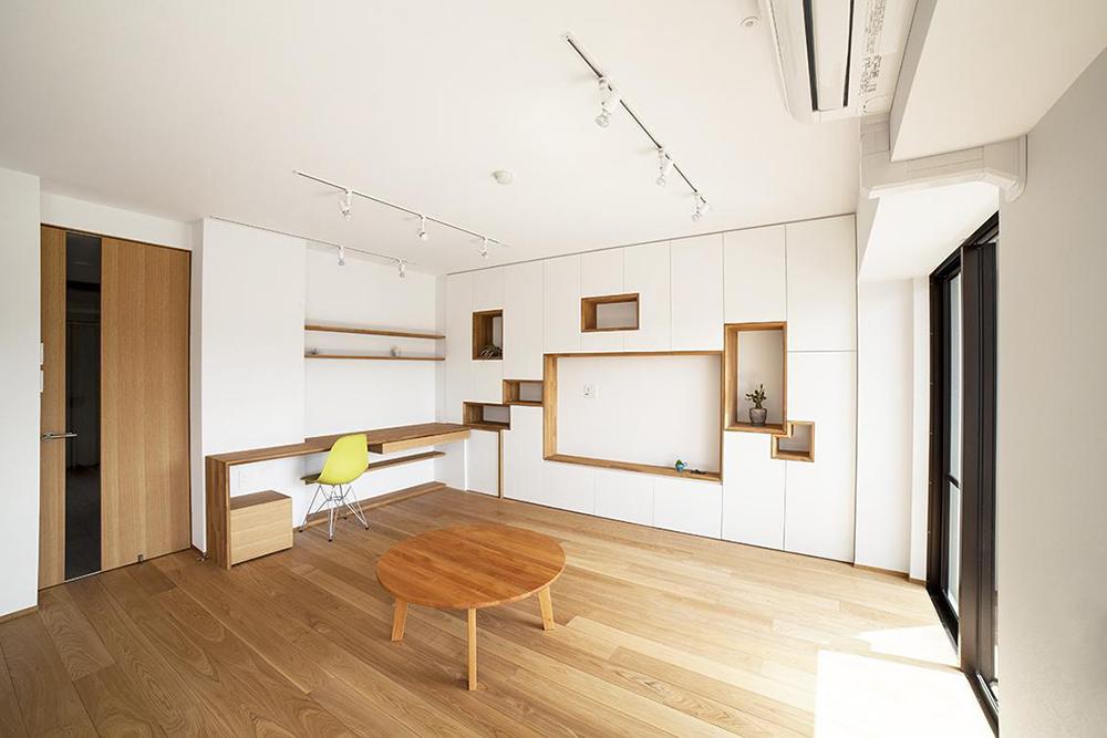 「株式会社 水雅」のリノベーション事例「壁一面をまるごと収納に! 美しい造作家具に囲まれたリノベーション。」
