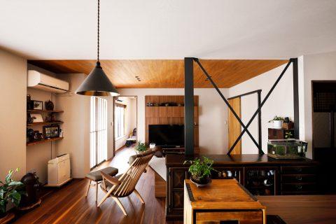 戸建てリノベ、2世帯、リノベーション、スタイル工房、ウォルナット床、板張り天井、和モダン