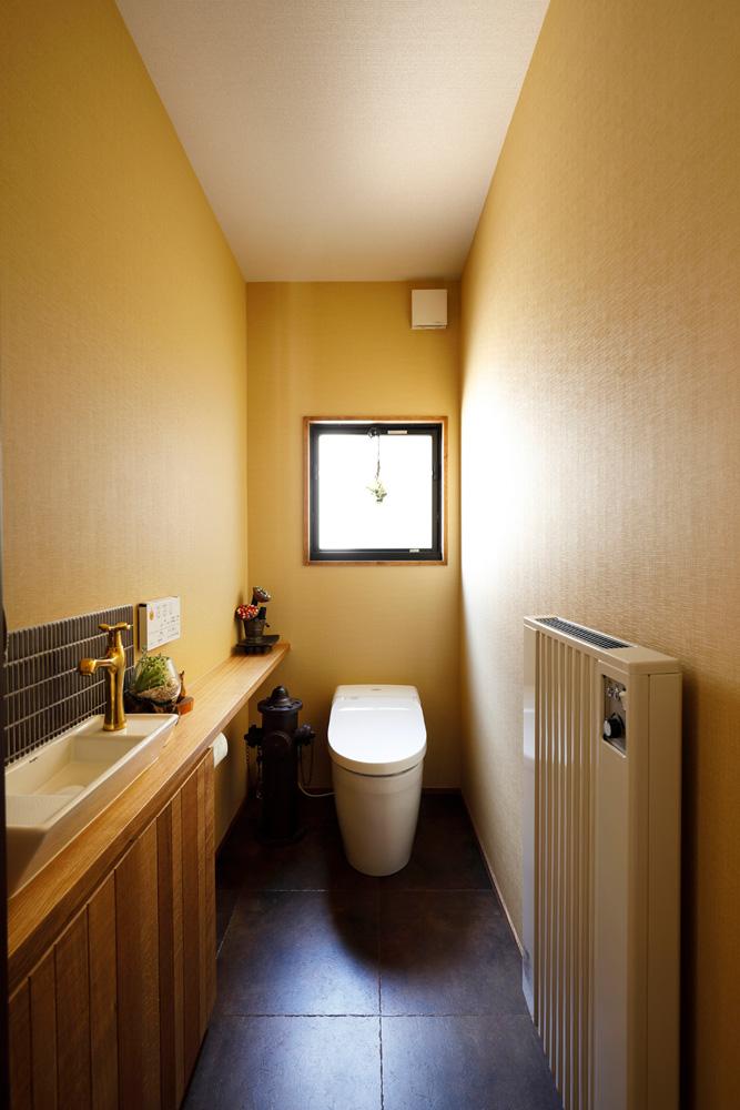 戸建てリノベ、2世帯、リノベーション、スタイル工房、トイレ、TOTO、暖房器具付きトイレ、タンクレストイレ