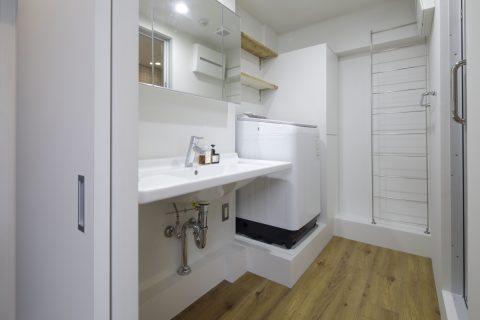 マンションリノベーション、東京リノベ、シンプル洗面、DURAVIT、オープン洗面台、収納付き三面鏡