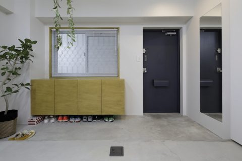 マンションリノベーション、東京リノベ、玄関モルタル、広い玄関土間、玄関趣味部屋