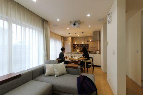 戸建リノベ、住工房、愛知県、オリジナルキッチン、キッチン収納、対面キッチン、オープンキッチン