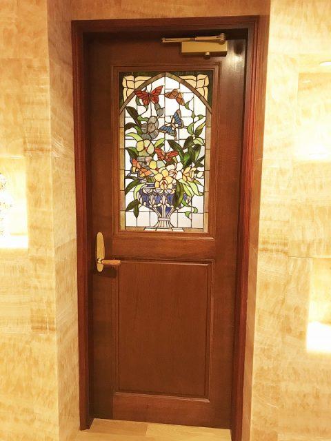 マンションリノベーション、リノベーション東京、ステンドグラス、ガラス入りドア、クラシックドア