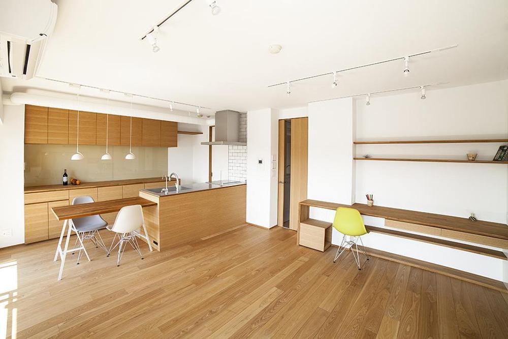 水雅、工務店、リノベーション、マンションリノベーション、壁面収納、造作の収納、すっきりリビング