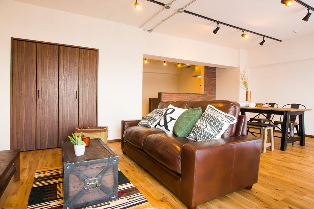 「リノデュース」のリノベーション事例「無垢材の床が心地よい、自然体のマンションリノベーション」