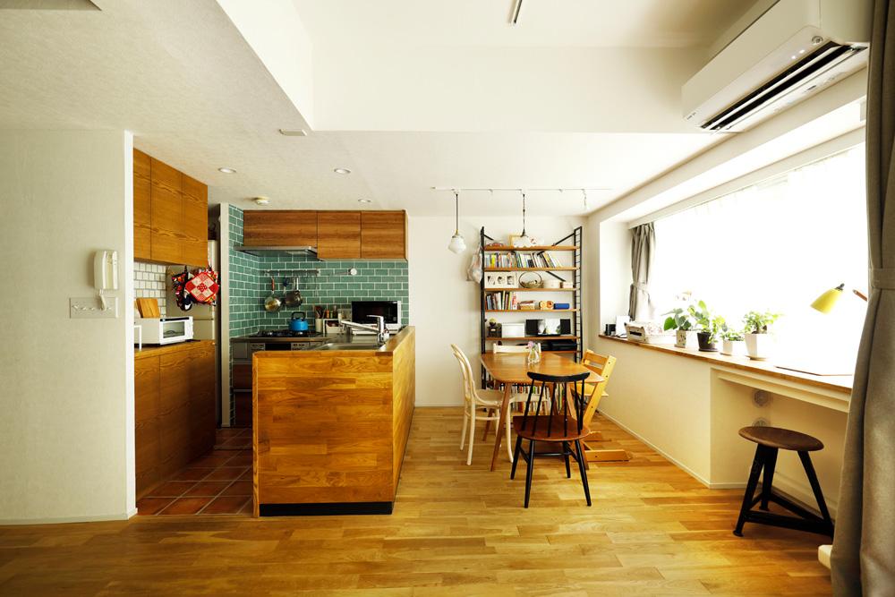 「スタイル工房」のリノベーション事例「憧れの室内窓やアクセントカラーで、イメージ通りの世界観に!」