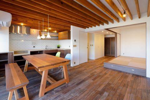 マンションリノベーション、水雅、小上がり和室、化粧梁、無垢ダイニングテーブル