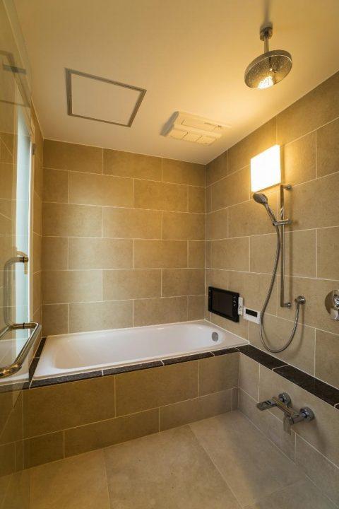 マンションリノベーション、クオリア、ホテルライク浴室、タイル浴室、バステレビ