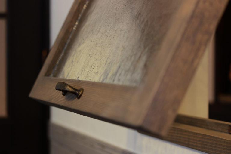 戸建リノベーション,住工房株式会社,室内窓,無垢材,輸入ステンドグラス