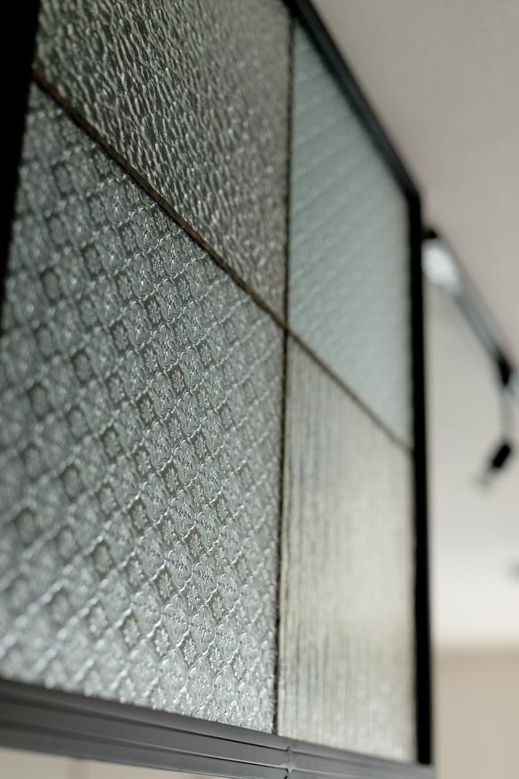 マンションリノベーション,スクールバス空間設計,キッチン,パーテーション,ガラス