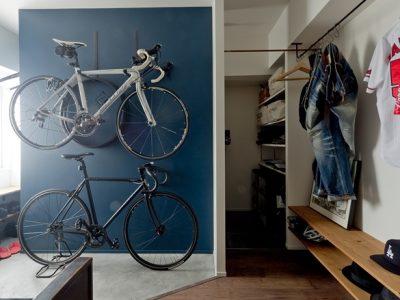「ハコリノベ(SUN REFORM)」のリノベーション事例「ロードバイクとアンティーク家具を楽しむために。リノベで実現した理想の住まい。」