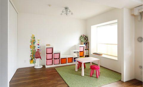 マンションリノベーション、インテリックス空間設計、キッズスペース、リビング子ども部屋、マンション出窓