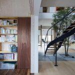 「Tsudou Design Studio(ツドウデザインスタジオ)」の「築33年の戸建てに、「大人のフリースタイル」を提案した実家リノベ。」