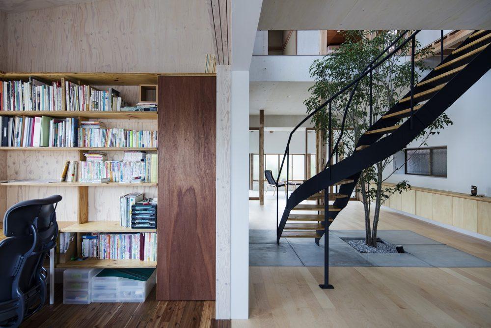 「Tsudou Design Studio(ツドウデザインスタジオ)」のリノベーション事例「築33年の戸建てに、「大人のフリースタイル」を提案した実家リノベ。」
