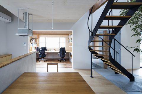 戸建てリノベーション、ツドウデザインスタジオ、螺旋階段、ワークスペース、アイアン階段