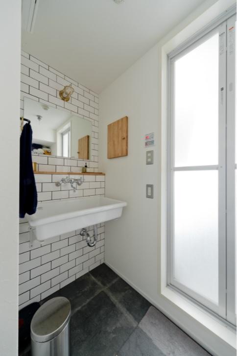 洗面所,タイル壁,タイル床