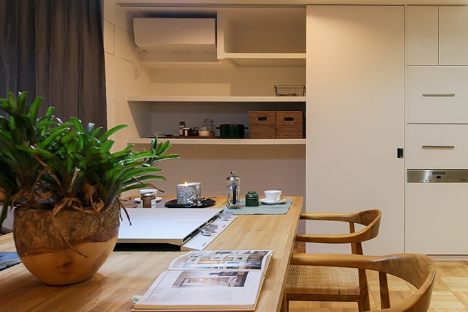 住工房株式会社,マンションリノベーション,ダイニング,壁面収納,オーダーテーブル