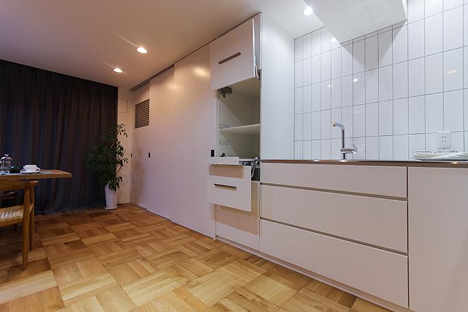 住工房株式会社,マンションリノベーション,キッチン,壁面収納,無垢床