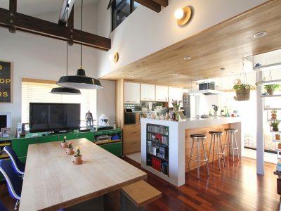 「フィールドガレージ」の戸建リノベーション事例「絶妙ゾーニングの二世帯住宅!ミッドセンチュリーデザインを楽しむ実家リノベーション」