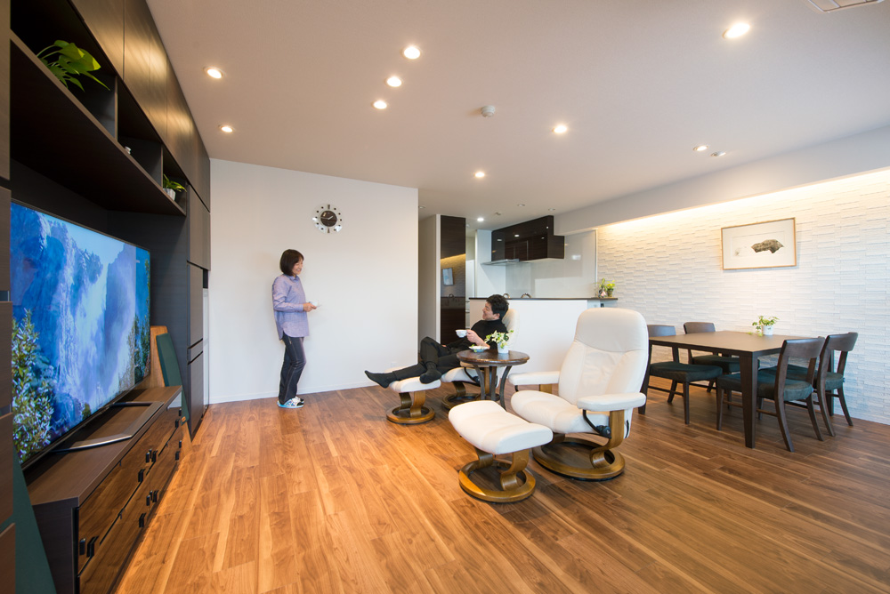 「野村不動産パートナーズ」のリノベーション事例「スタイリッシュな贅沢空間。ふたりの暮らしに合わせたマンションリノベーション」