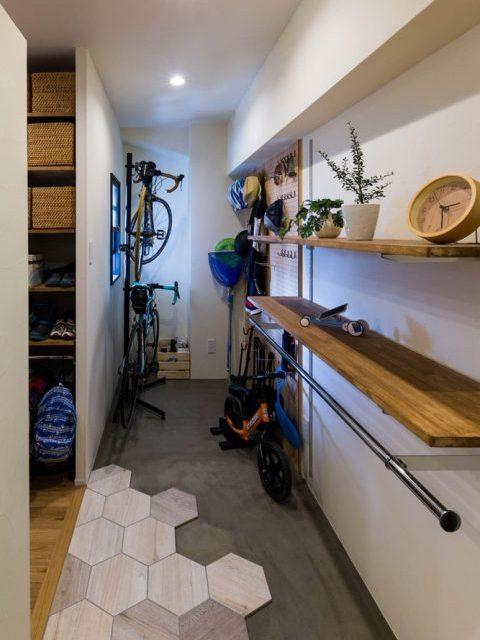 ハコリノベ,マンションリノベーション,玄関土間,自転車,飾り棚,オープンクローゼット