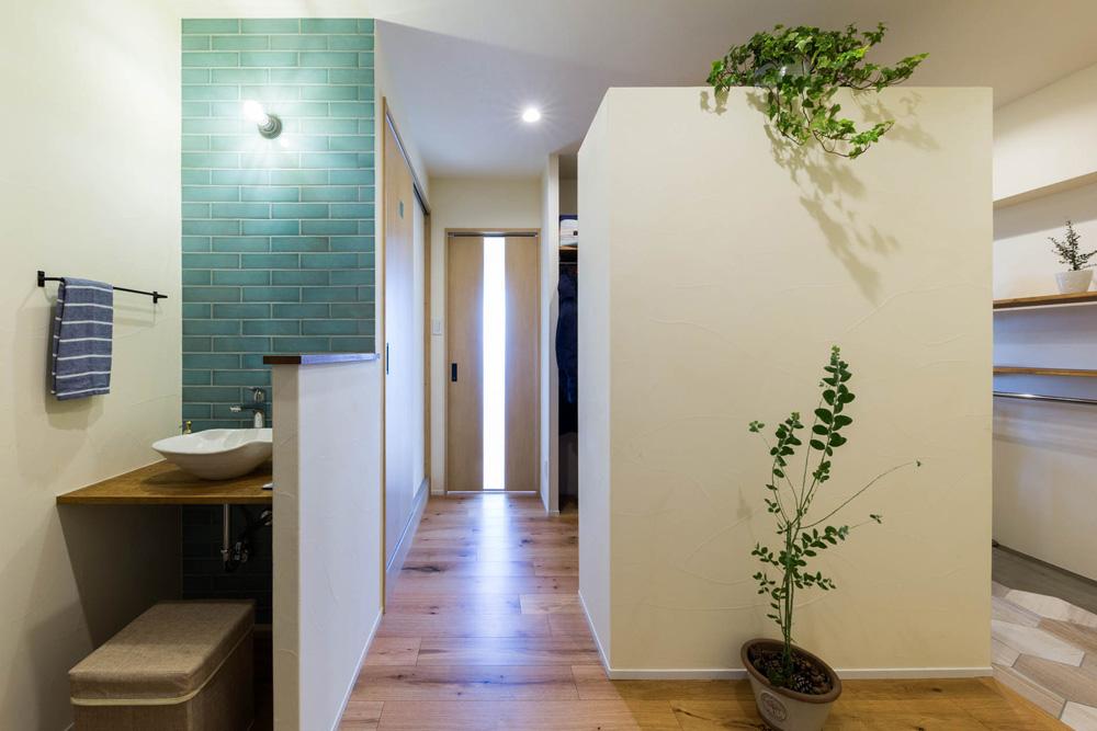 ハコリノベ,マンションリノベーション,クローゼット,手洗い場,廊下