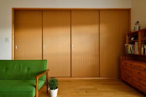 マンションリノベーション、スタイル工房、和室、木製扉、リビングとつながる