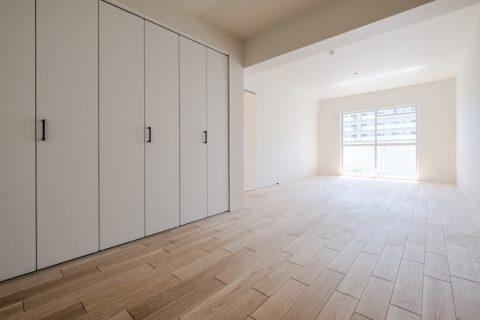 マンションリノベーション、リノデュース、ナラ無垢、子ども室、壁一体収納