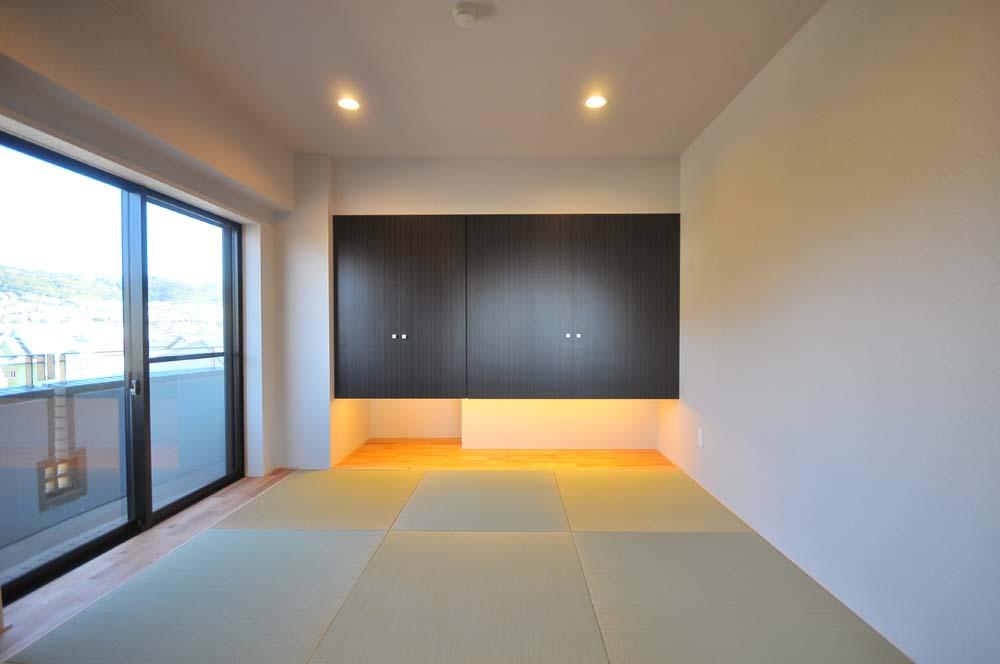 マンションリノベーション、アートテラスホーム、吊り収納、和室間接照明、琉球畳