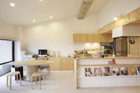 マンションリノベーション、スタイル工房、キッチン、キッチンカウンター、木のぬくもり、ダイニング