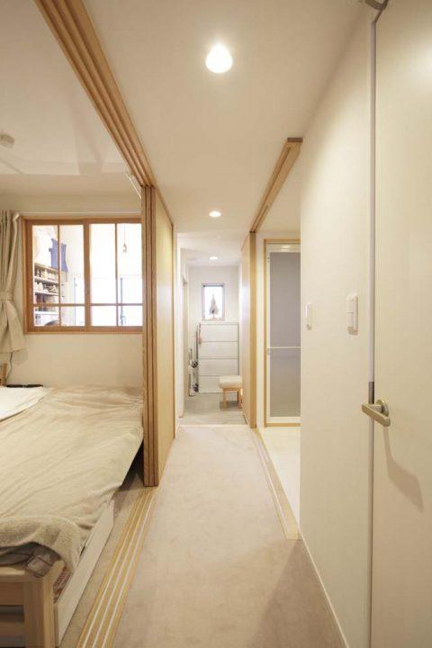 マンションリノベーション、スタイル工房、リビングドア、廊下、引き戸、洗面室と廊下がつながる、
