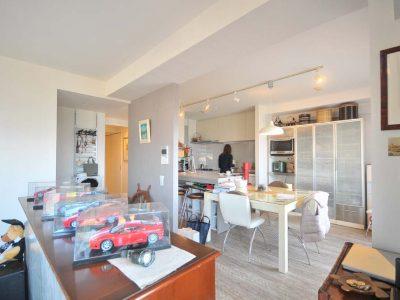 「アートテラスホーム株式会社」のマンションリノベーション事例「生活動線に基づいたマンションリノベで、二人の思い出の英国家具が映える住まい。」