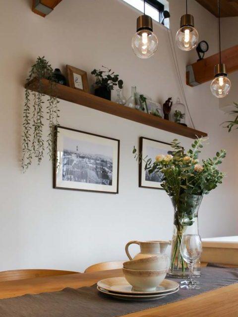戸建てリノベーション、住工房、キッチンオープン棚、見せる収納、カフェ風アレンジ