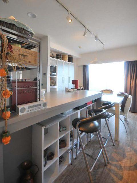 マンションリノベーション、アートテラスホーム、キッチンン作業台、テーブル兼用カウンター、キッチン収納