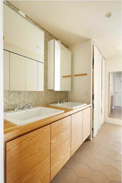 インテリックス空間設計,実家リノベーション,洗面所,タイル床,洗面2ヶ所