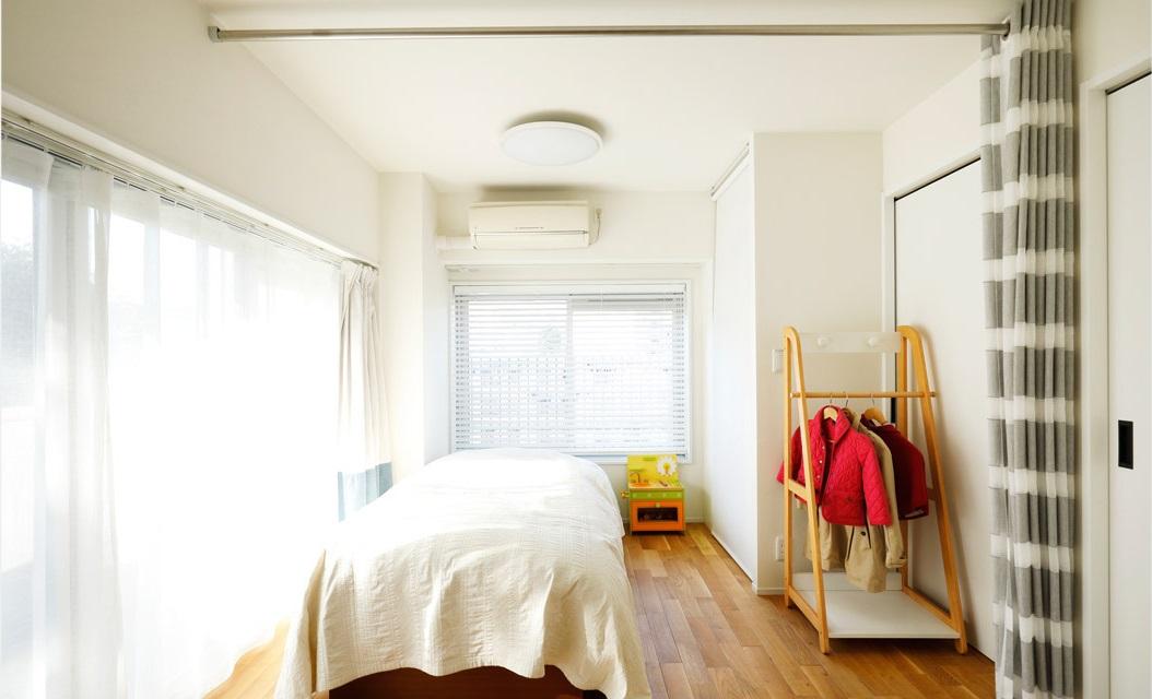 インテリックス空間設計,実家リノベーション,子ども部屋,カーテン仕切り,オーク床