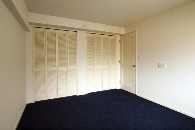 錬,マンションリノベーション,寝室,クローゼット,モールディングドア