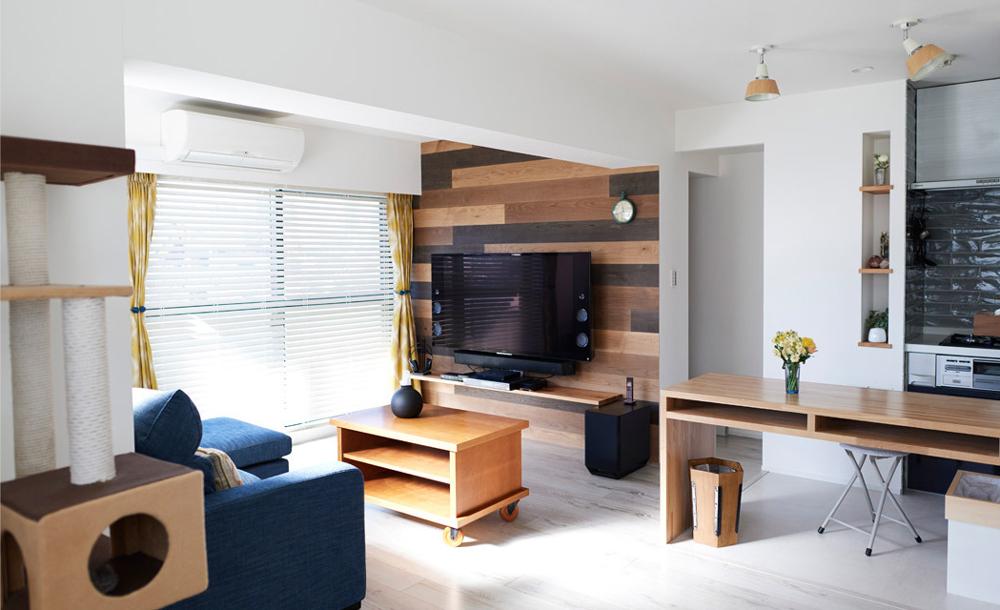 マンションリノベーション、インテリックス空間設計、ウッドパネル、キッチンカウンター、ペット用フローリング