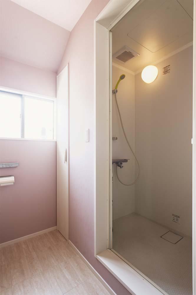 二世帯住宅,戸建てリノべ,スタイル工房,コンパクトな水回り,身支度が楽,洗面,トイレ,シャワーブース