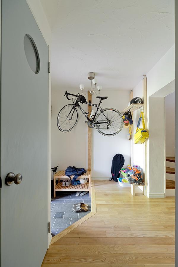 GLADDEN,戸建リノベーション,エントランス,自転車,フローリング