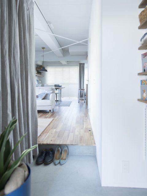 マンションリノベーション、ゼロリノベ、ワンルーム玄関、玄関クローゼット、白い玄関、土間、