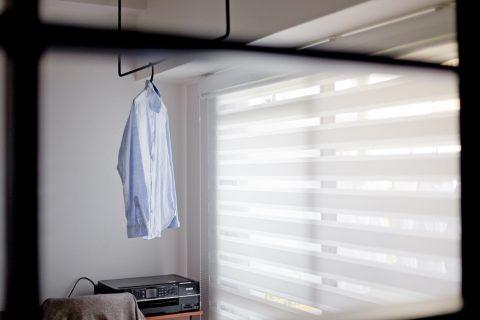 マンションリノベーション、ハコリノベ、室内干し、天井付けハンガーポール、室内窓