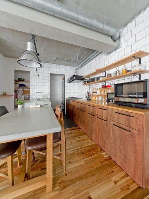 マンションリノベーション、ハコリノベ、キッチン収納、見せる収納、インダストリアルキッチン