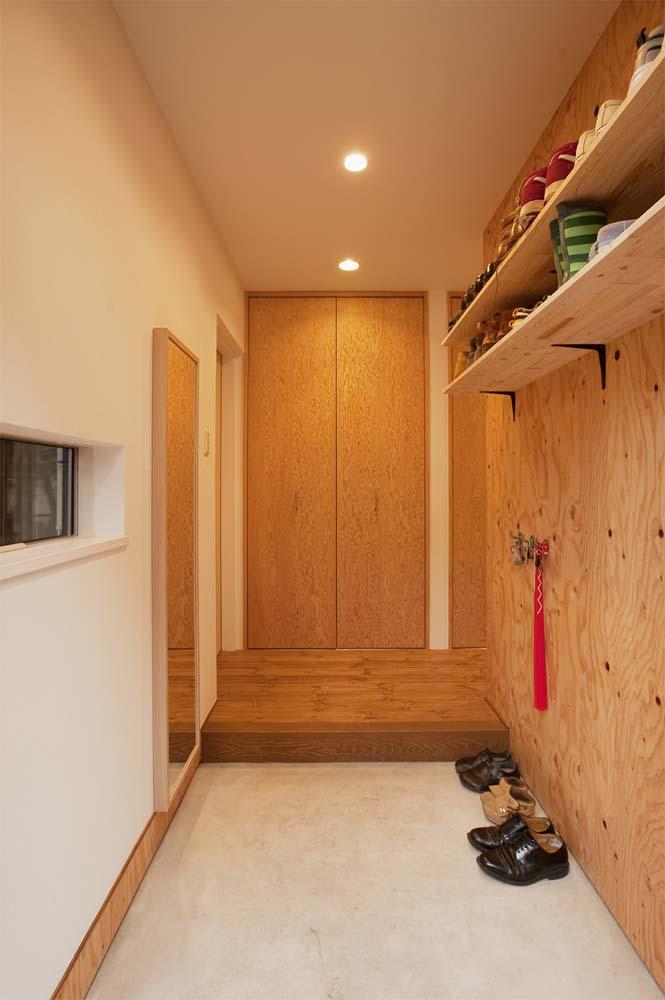 実家リノベーション,戸建てリノベーション,玄関,DIY靴棚,ラーチ剤