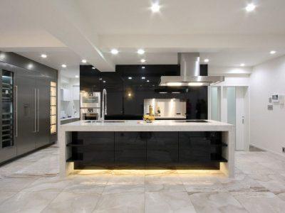 「株式会社 アレックス」の戸建リノベーション事例「魅せるアイランドキッチン!壁のない広々LDKを叶えたスケルトンリノベーション」