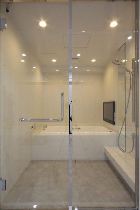 戸建てリノベーション、株式会社アレックス、ニッコー浴室、ジャクソン浴槽、ガラス浴室扉