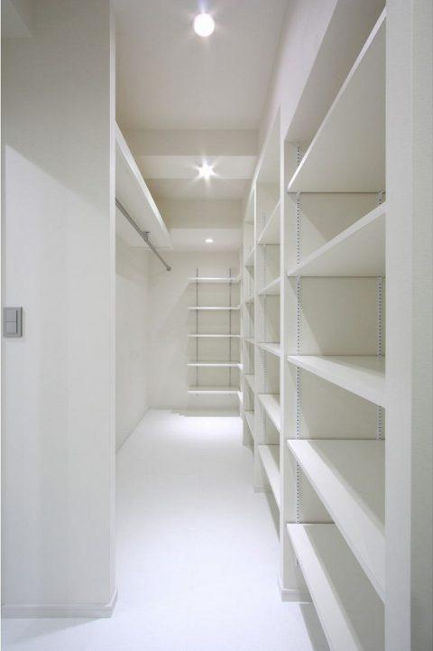 戸建てリノベーション、株式会社アレックス、WIC、白い空間、大容量収納